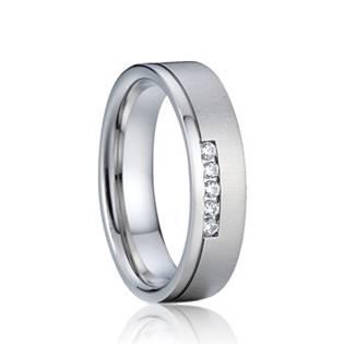 AN1012 Dámský snubní prsten se zirkony